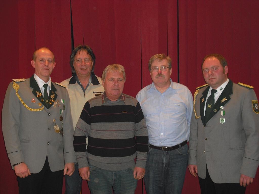 Fünf neue Ehrenmitglieder beim Schützenverein Suttrup